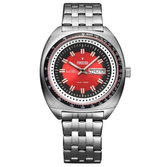 Red retro wristwatch 2